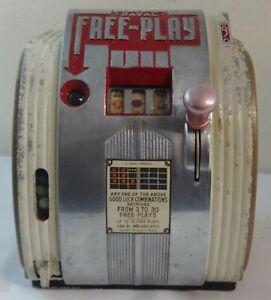 1939 Daval Free Play 5 Cent Trade Stimulator Gum Ball Slot Machine
