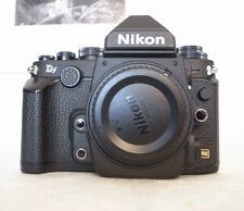 Nikon Df Nera 16.2MP in ottimo stato. 3 Batterie+carica batterie. 8900 scatti.