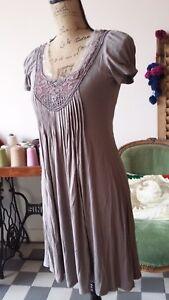 Belle robe viscose dentelle Taille 36/38,TBE