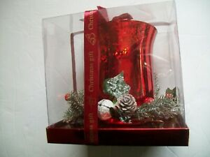 Traditional Xmas Hurricane with Berry Ring - Red Glass - New In Box - Free Post