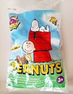 PEANUTS Snoopy Wendy's Kids Meal Toy Doll 2006 NIP Collectible Classic Comics