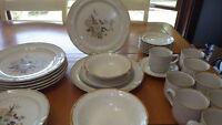 International Stoneware Dinnerware Set Wellington service for 7 6 bowls VGUC