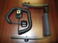 Flash Flip Bracket Grip with Cord for Nikon D90 D300s D700 P7000 P7100