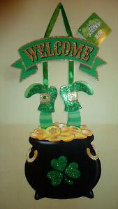 "St Patricks Day Glitter Wood Hanging Pot O Gold Wall Wreath Decor Door Sign 16"""