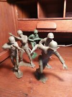 "LOT 1960s VINTAGE MARX LARGE 5"" TALL GREEN  PLASTIC US WWII SOLDIERS"
