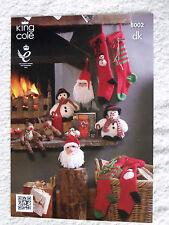 King cole motif 8002. bonhomme de neige, santa head, rudolf & chaussettes de noël.