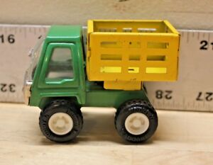 """Vintage Buddy L  Green & Yellow Dump Bed Farm Truck 1/48 Scale 3.5"""" Length."""