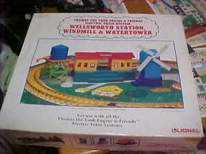 """MIB..""""G"""" SCALE..THOMAS THE TANK..3 BUILDING SET..WINDMILL..WATER TOWER..STATION"""