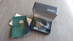 Seiko Kinetic Mens Watch 5M43 Day Date New Capacitor Boxed 12 Month Warranty