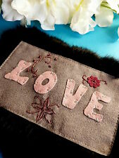 "127# SUPERBE APPLICATION "" LOVE "" BRODERIE FOURRURE SHABBY CHIC VINTAGE"
