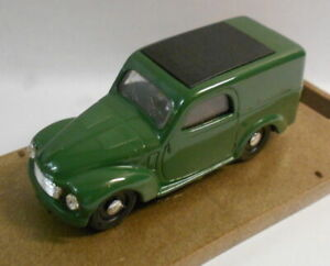 Brumm 1/43 Scale Metal Model - R13 FIAT 500 C TOPOLINE HP16.5 1949-1955
