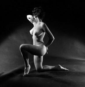 Bunny Yeager 1950s Camera Negative Body Beautiful Figure Model Christine Starr