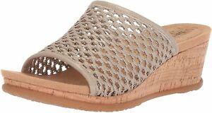 BareTraps Women's FLOSSEY Slide Sandal, Champagne, 6.5 Medium US