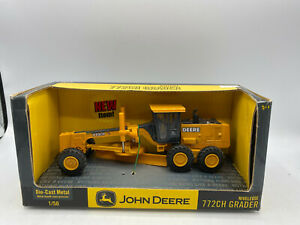 Ertl John Deere 772CH Grader 1/50 Diecast Construction Farm Tractor Collectible