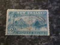 NEW ZEALAND POSTAGE & REVENUE STAMP SG258 GREY/GREEN 2/- GOOD-USED