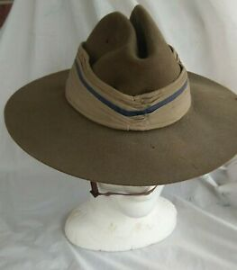 WW2 Australian RAAF slouch hat. 1944 dated. Chin strap, Pugaree. Great condition