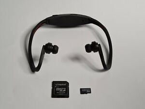 Transcend 4GB MicroSDHC Class 10 Card + Sport Earphones with MP3 Player (bundle)