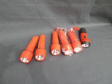 LOT DE 6 LAMPES TORCHES EN PLASTIQUE dont une rechargeable en parfait état