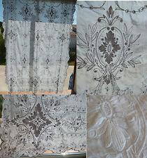 Ancien grand rideau brodé dit CORNELY de 220 cm x 140 cm
