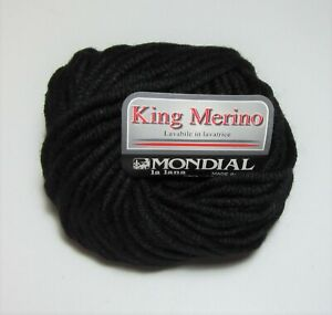 Lot of 10 balls of Mondial KING MERINO machine washable chunky yarn #200 BLACK