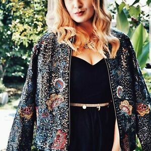 ZARA EMBROIDERED AND SEQUINNED JACKET REF. 0881/214  S-M 8-10 UK 36-38 EU 4-6 US