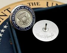 OFFICIAL TRUMP PRESIDENTIAL SEAL VIP LAPEL PIN~SILVER~WHITE HOUSE ISSUE~SIGNED