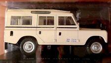 Land Rover 109 Santana 1975   1/24 Neuf voiture miniature collection