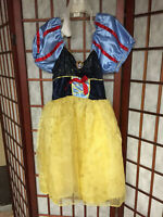 Disney Snow White Costume girls size 4-6x with crown, wand and shoes