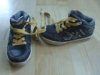 Modische Kinder Turnschuhe Sneakers in Gr. 32 , schwarz-gelb