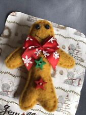 brooch gingerbread man
