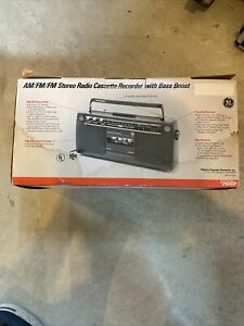 Vintage Portable GE General Electric 3-5454A Boombox AM FM Cassette Stereo Radio