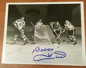 BLACKHAWKS: Bobby Hull (HOF) Signed Autographed 8x10 Photograph!