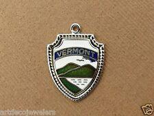 Vintage silver VERMONT STATE MOUNTAIN ENAMEL SOUVENIR TRAVEL SHIELD charm E#9