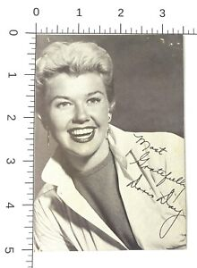 DORIS  DAY - hollywood  STARLET  beauty  PIN-UP 1950s arcade exhibit card