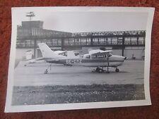 PHOTO CESSNA 210B CENTURION SE-CYZ AVION AIRCRAFT FLUGZEUG GATWICK OY-ADH
