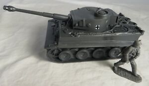 Classic Toy Soldiers WWII GERMAN Tiger Tank for Toy Soldiers