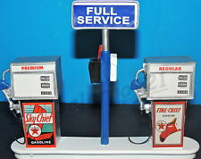 TEXACO FIRE CHIEF  Station Gas Pump Island(Ready to Display) 1:18-1:24 Scale NWB