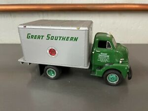First Gear 1:34 1952 GMC Dry Goods Van Great Southern