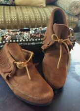 Minnetonka Classic Moccasin Brown Suede. Rubber hard sole Size: 10 excellent