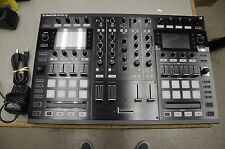 Native Instruments Traktor Kontrol S8 all in one DJ system SCRATCH PRO 2 MK2