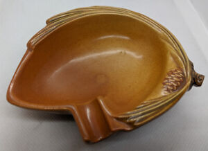 Brown Roseville Pottery Pinecone ash tray #499