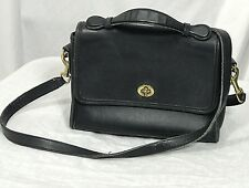 Vintage Coach Court  Navy 9870 Turnlock Crossbody / Messenger Bag