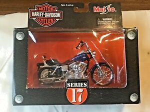 Maisto 1:18 Harley-Davidson 2002  Dyna Wide Glide Series #17 in Box