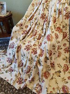 Pair Of Vintage Floral Curtains, Each 160cm Wide x 180cm Drop