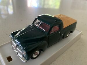 Trax. 1/43 Scale. TR25B. 50/2016 Holden Utility. Woodsman Green.