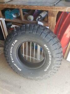 255/85r16 BfGoodrich KM2 mud terrain tyre