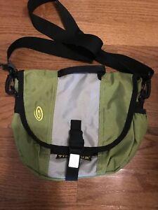 Timbuk2 Classic Messenger Bag NICE!
