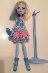 Monster High Dot Dead Gorgeous Abbey Bominable Doll & Stand