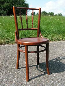 Bugholzstuhl Bistrostuhl Kaffeehaus Stuhl im Thonet Stil Wiener Cafehaus Stuhl