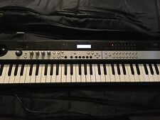 KORG MICROSTATION  MUSIC WORKSTATION. VG CONDITION